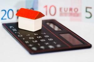 Für Hausbesitzer, die kurzfristig eine Anschlussfinanzierung benötigen,halten die Baufinanzierer hervorragende Bedingungen bereit.