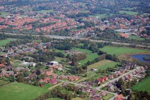 Sie haben ein Haus in Ostfriesland (wie hier im Kreis Leer), im Ammerland oder im Emsland? Mit einem Forwarddarlehen (forward = vorwärts) können Sie die künftigen Zinsen, Raten und Zinsbindungen bereits bis zu fünf Jahre im Vorfeld mit dem Anbieter vereinbaren.